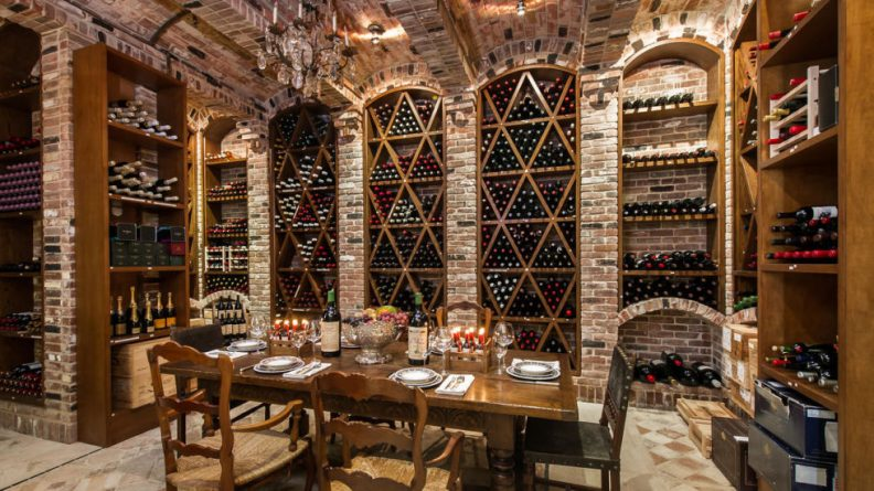 14-gallery-most-expensive-palazzo-wine-cellar