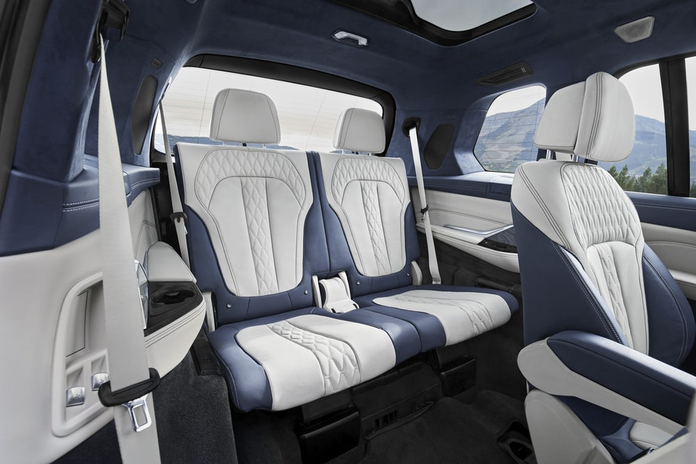 2019 BMW X7: another look for the rear seats