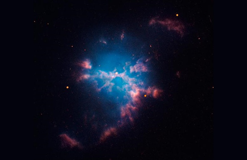 An image obtained with the Hubble Space Telescope of the planetary nebula M3-1, the central star of which is actually a binary system with one of the shortest orbital periods known.